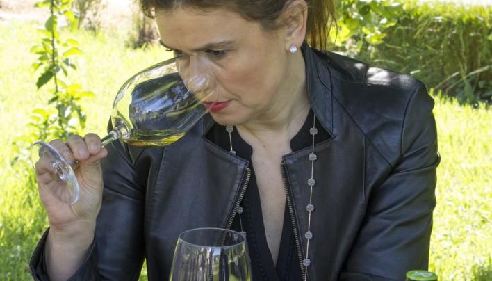 """Gemma Vela, sumiller del Hotel Ritz: """"Hay que desterrar el tópico de que existen vinos para mujeres"""""""